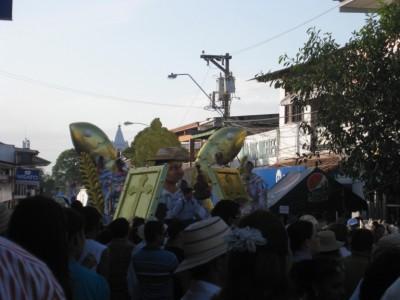 Mil Polleras Parade