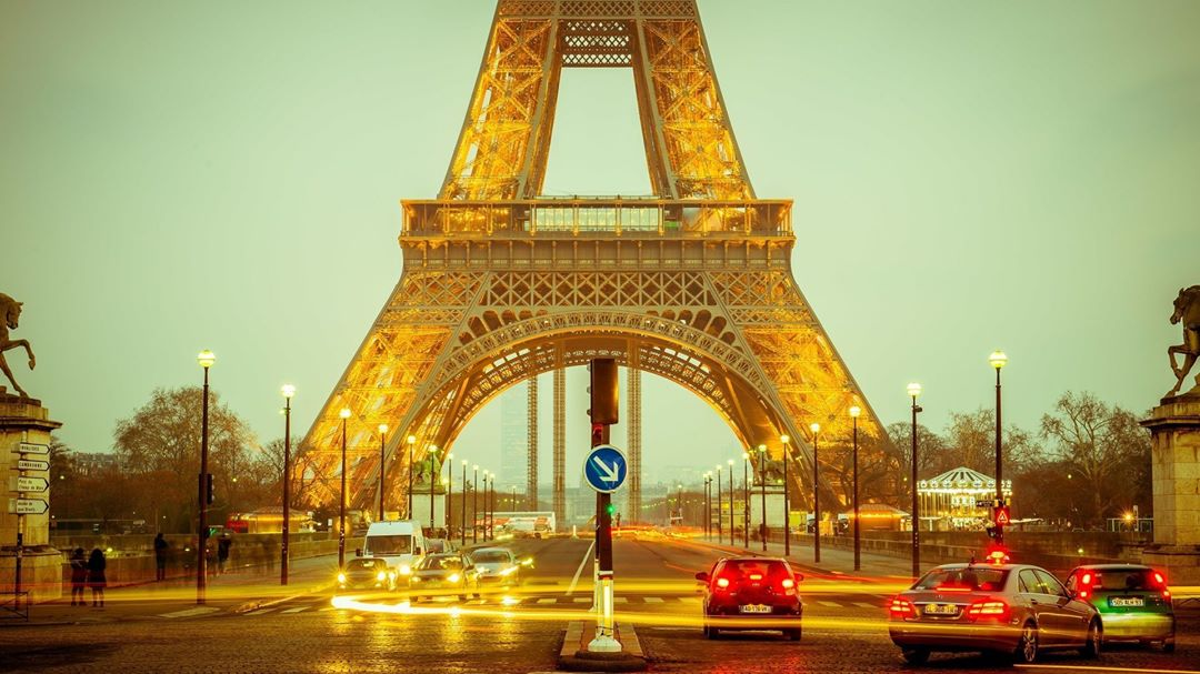 Ah Paris Who doesnt love the City of Light? Whilehellip