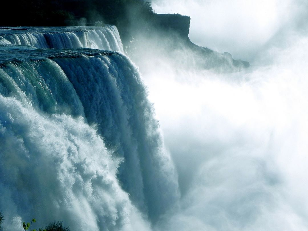 Have you visited the Canadian side of Niagara Falls? Itshellip