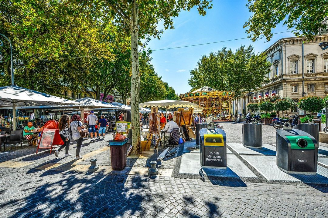 The market in Avignon Can you picture yourself living andhellip